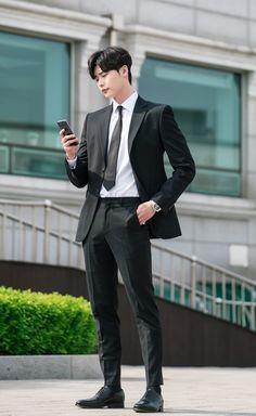 Ideas for fashion korean boy lee jong suk Lee Jong Suk Cute, Lee Jung Suk, Poses Dynamiques, Male Poses, Human Poses Reference, Pose Reference Photo, Asian Actors, Korean Actors, Korean Dramas