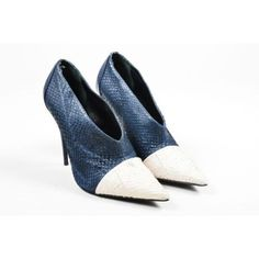 Pre-Owned Narciso Rodriguez $1195 Navy and White Salmon Skin High... (6.793.870 VND) ❤ liked on Polyvore featuring shoes, pumps, blue, pointy-toe pumps, blue leather shoes, wide pumps, blue pointed toe pumps and blue high heel shoes