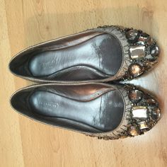 COACH jewels ballet flat shoes Gently worn. Very cute and comfortable. Priced to sell.  ⬇️For more discount- Ask about bundle discount if interested :) Coach Shoes