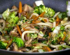 Recette Wok de nouilles japonaises sautées aux légumes avec Simon Ferniot #mesrecettesquifontdubien