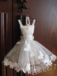 Tiny dress so pretty Little Dresses, Flower Girl Dresses, Doll Dresses, Mini Dresses, Tutu, Dress Card, Lavender Bags, Fairy Dress, Barbie Clothes