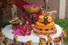 Related image - Decoration For Home African Wedding Cakes, African Wedding Theme, African Theme, African Weddings, African Traditional Wedding Dress, Traditional Wedding Decor, Traditional Cakes, Destination Wedding Welcome Bag, Wedding Welcome Bags