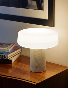 Solid Table Light – Nero Marquina de Terence Woodgate