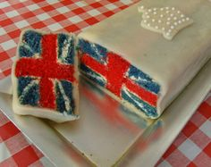 Union Jack Battenburg Cake - How on earth did they make this? The link for techniques, located in the article, is broken. Union Jack Cake, Surprise Inside Cake, British Party, Cake Story, Royal Cakes, Vegan Wedding Cake, Flag Cake, British Baking, Great British Bake Off