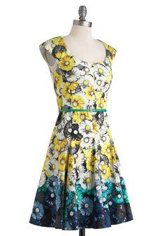 Let's Call it a Daisy Dress   Mod Retro Vintage Dresses   ModCloth.com