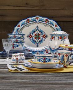 Blue And White Dinnerware, Blue Dinnerware Sets, Stoneware Dinnerware, King Furniture, Painted Furniture, Baby Room Lighting, Wedgwood, Fine China, Earthenware