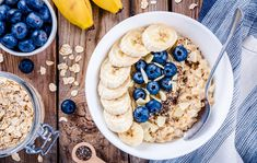 Is oatmeal healthy? Here's what we know about oatmeal nutrition and benefits. Healthy Dinner Recipes, Healthy Snacks, Healthy Eating, Healthy Carbs, Vegan Recipes, Healthy Options, Clean Eating, Low Gi Breakfasts, Granola