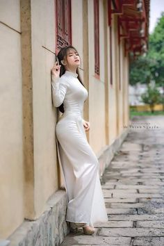 Duration Spray for Men, Desensitizer Spray to last longer Ao Dai, Sexy Outfits, Lingerie Fine, Vietnamese Dress, Beautiful Asian Women, Sexy Asian Girls, Traditional Dresses, Asian Fashion, Asian Woman