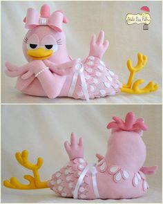 Sewing patterns free animals felt birds New ideas Felt Patterns, Stuffed Toys Patterns, Sewing Patterns Free, Free Pattern, Felt Crafts, Diy And Crafts, Sewing Projects, Projects To Try, Chicken Pattern