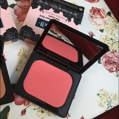 Kat Von D everlasting blush in Por Vida NIB Never used. Comes in box. Full size. Shade is Por Vida which is a bright peachy pink. No trades. Open to offers. Kat Von D Makeup Blush