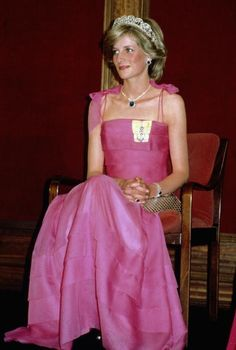 Princess Diana wears a pink Victor Edelstein dress and the Spencer tiara to a state reception in Brisbane, April 11, 1983.