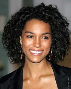 Hairstyle for Girls with Curly Hair