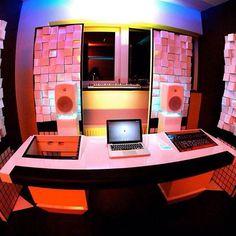 53. @djbrennanheart DJMag TOP DJs 2015 - studios with Vicoustic acoustic treatment #brennanheart #vicoustic #myvicoustic #djmag #dj #recording #musicproduction #studio #acoustics #acousticpanels #music #proaudio #hifi #soundbaffles #sound #absorption #acoustictreatment #production #djmagtop100 #top100djs