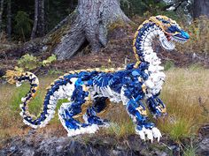LEGO SCULPTURE DRAGON BIONICLE - Wow! Attention to detail with LEGO's created an incredibly stunning work of arts.