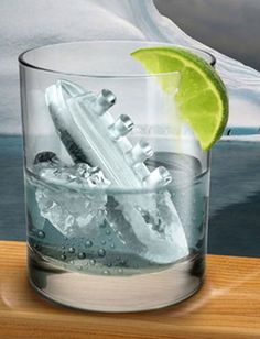 ► Titanic Ice Trays Set