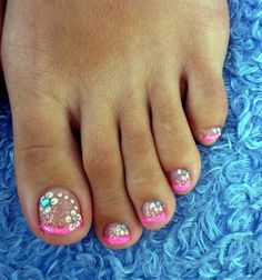 Pedicure Nail Art Gallery Pink French Pedicure Nail Art Gallery I want my toes to look like this Cute Toe Nails, Fancy Nails, Pedicure Nail Art, Toe Nail Art, Pedicure Ideas, Pedicure Summer, Glitter Pedicure, Pink Pedicure, Mani Pedi