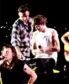 one direction lilo water gun fights | Styles Larry Stylinson One Direction liam payne mine toronto lilo ...