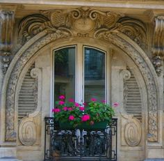 Paris window box - with lovely old stone carving surrounding the window. Parisian Apartment, Paris Apartments, Beautiful Architecture, Architecture Details, Classic Architecture, Porches, Style Parisienne, Door Entryway, Unique Doors