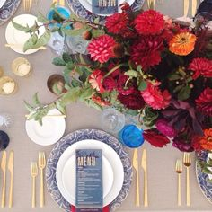 Wedding in Costanoa with Enjoy Events Co and Shotgun Floral Studio was out of control gorgeous! | Blue Fleur de Lis Chargers + White Collection Vintage China + 24K Gold Flatware + Alternating Dark Blue/Aqua + Cut Crystal/Champagne Coupe Trios  // Casa de Perrin