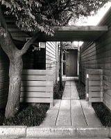 The house of the Minamidai 1957 南台の家 アプローチ 吉村順三