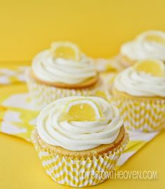 Lemon Cupcakes With Lemon Cream Cheese Frosting at Love From The Oven