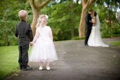 So cute idea, wedding photography, wedding pics, dream, weddings, wedding photos, flower girls, photographi, bride groom