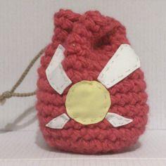Bourse sac rose au crochet motif fée jaune et blanche