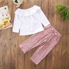 Sewing Pants Ruffles 49 Ideas For 2019 Frocks For Girls, Girls Pants, Little Girl Dresses, Baby Pants, Baby Girl Fashion, Kids Fashion, Toddler Outfits, Kids Outfits, Kids Frocks Design