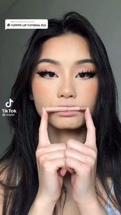 Smoky Eye Makeup Tutorial, Lip Tutorial, Makeup Eye Looks, Skin Makeup, Makeup Inspo, Makeup Inspiration, Makeup Ideas, Makeup Tutorials, Edgy Makeup