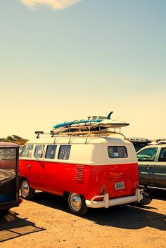 vw minibus, wants to get one of these and go on a roadtrip across America with my best friends<3