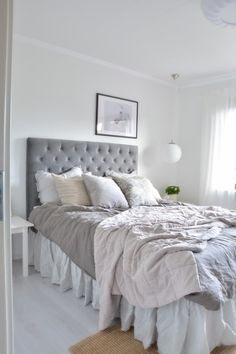 Not found, Sängkappa på plats Home Bedroom, Home Living Room, Bedroom Decor, Scandinavian Interior Bedroom, Paint Colors For Living Room, Aesthetic Bedroom, Dream Rooms, My New Room, House Rooms