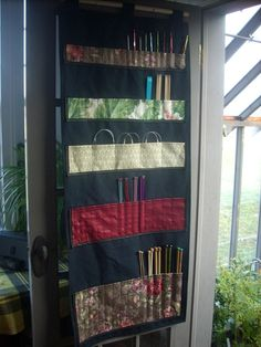 needle storage! Yes please :D I have a little roll up one and it is sadly lacking to my current storage needs.