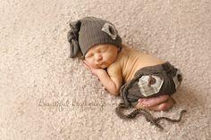 Newborn Boys Pants and Elf Hat. Newborn Knit от verityisabelle