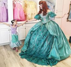Meet Nephi Garcia - a California-based designer daddy who makes the most amazing Disney-inspired costumes for his kids! Princess Dress Kids, Princess Ball Gowns, Disney Princess Dresses, Princess Costumes, Disney Dresses, Real Princess, Disney Cosplay, Ariel Cosplay, Disney Costumes