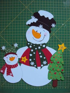 Window screen Tonkarton Winter Christmas Snowman with-child-Tannenbaum -_. Christmas Mood, Christmas Paper, Christmas Snowman, Christmas Ornaments, Diy And Crafts, Paper Crafts, Christmas Window Decorations, Winter Crafts For Kids, Snowman Crafts