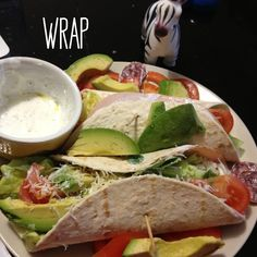 Wrap #recette diabète gestationnel Yummy Food, Yummy Yummy, Healthy Recipes, Healthy Food, Sandwiches, Health Fitness, Low Carb, Ethnic Recipes, Wraps