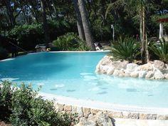 Piscinas ovalada en Formentor. Mallorca www.piscinasmallorca.es Ponds, Spas, Swimming, Outdoor Decor, Home Decor, Gardens, Balearic Islands, Pools, Majorca