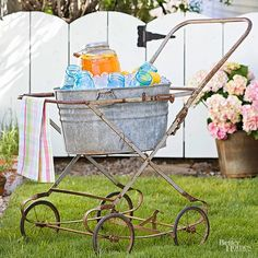 Pair a galvanized-tin tub with an old baby-buggy frame to fashion a playful alfresco entertaining cart. Place the tub inside the bed-frame portion of the buggy, and you're ready to roll. Fill with flowers. Flea Market Decorating, Decorating Tips, Tin Tub, Galvanized Tub, Baby Buggy, Flea Market Finds, Flea Market Crafts, Flea Market Style, Trash To Treasure