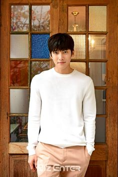 It's that time again! The standard post-drama interviews with Ji Chang Wook are starting to fill up our news feeds, as all the sites in Korea decided to release their various chats with him … Ji Chang Wook Smile, Ji Chang Wook Healer, Ji Chan Wook, Korean Star, Korean Men, Asian Men, Asian Guys, Asian Actors, Korean Actors