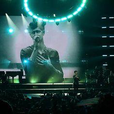 "1,385 curtidas, 11 comentários - Shawn Mendes Updates (@shawnmendesupdates1) no Instagram: ""December 18: Shawn performing onstage in Tokyo, Japan…"""