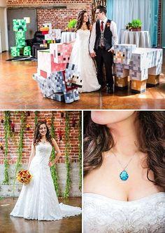 Mind-Blowing Minecraft Wedding - with video! Minecraft Room, Minecraft Memes, Minecraft Party, Minecraft Stuff, Minecraft Ideas, Geek Wedding, Dream Wedding, Wedding Ideas, Wedding Things