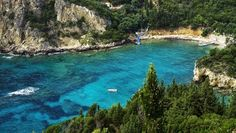 ΤΟ ΚΟΥΤΣΑΒΑΚΙ: Η Ελλάδα πουλάει τα νησιά της λόγω κρίσης 30% φθην... ΜΌΣΧΑ, 13 Δεκεμβρίου - RIA Novosti. 20 τα Ελληνικά νησιά θα διατίθενται προς πώληση, ωστόσο, η αγορά τους θα προσφέρεται μόνο για πολύ πλούσιους ανθρώπους, αναφέρει το περιοδικό Γουώλ Στρητ. Τα Ελληνικά νησιά είναι μια οικογενειακή κληρονομιά, προσεκτικά διατηρημένα και περνούσε η κατοχή τους μόνο από γενιά σε γενιά εντός της οικογένειας. Προς πώληση είναι πολύ σπάνια νησιά και σε πολύ καλές τιμές.