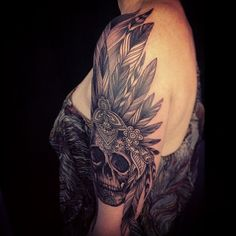 http://tattoo-by-dodie.tumblr.com/post/89310114809/old-school-skull-as-i-like-on-olga-thank-you
