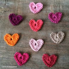 DIY - Crochet a heart in 5 minutes! Crochet Earrings Pattern, Crochet Pattern, Free Pattern, Crochet Square Patterns, Crochet Designs, Crochet Ideas, Homemade Valentines, Valentine Crafts, Knit Or Crochet
