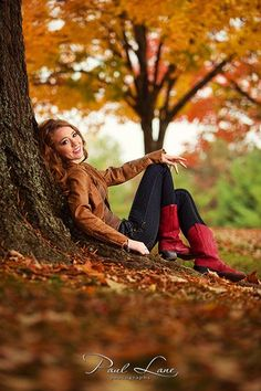 Outdoor photoshoot ideas for models senior pictures waynesvi Senior Year Pictures, Senior Photos Girls, Senior Girl Poses, Fall Pictures, Fall Photos, Senior Pics, Fall Pics, Senior Session, Senior Posing