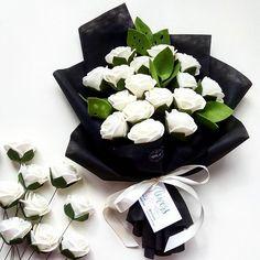 WhatsApp ke 085643471606 for order 😊💚 💁 #felt_id #felt #feltflowers #feltgarland #feltbouquet #flanel #bungaflanel #bungaflaneljogja #buketflanel #buketflaneljogja #buketwisuda #buketpengantin #kadobunga #kadowisuda #handmade #handmadeisbetter #handmadewithlove #supporthandmade #craft #creatorslane #customflower #supportsmallbusiness #etsy #etsyindonesia #tapfordetails