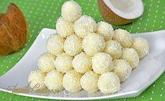 Prajitura Alba ca zapada Romanian Desserts, Romanian Food, Romanian Recipes, Gordon Ramsey, Cookie Recipes, Snack Recipes, Almond Macaroons, Yummy Treats, Yummy Food