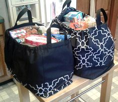 Reusable Shopping Bags, Reusable Bags, Diy Bags Patterns, Sewing Patterns, Sewing Machine Quilting, Diy Bags Purses, Tote Pattern, Fabric Bags, Quilted Bag
