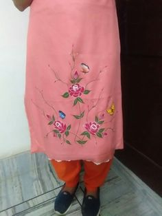 Embroidery Boutique, Embroidery On Clothes, Embroidery Fashion, Hand Embroidery, Punjabi Suit Boutique, Punjabi Suits Designer Boutique, Simple Embroidery Designs, Embroidery Suits Design, Hand Painted Dress