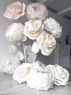 DIY Paper Flower Wedding Backdrop 2019 white roses paper flowers The post DIY. DIY Paper Flower We Large Paper Flowers, Paper Flowers Wedding, Paper Flower Wall, Giant Paper Flowers, Big Flowers, Diy Paper Flower Backdrop, Organza Flowers, Rose Flowers, Beautiful Flowers